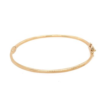 Baguette Cut Diamond Bangle in Yellow Gold