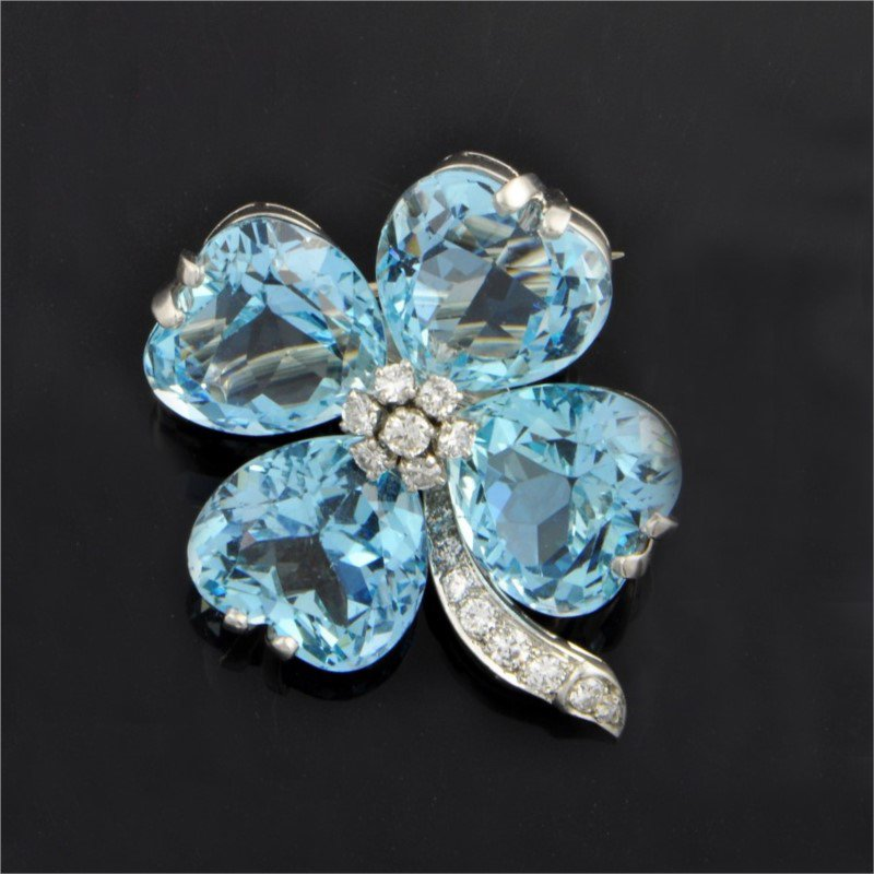 Perry's Estate Collection 1950s Aquamarine Clover Brooch in Platinum