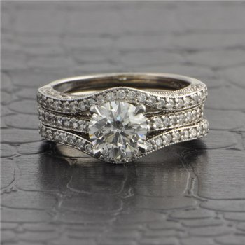 1.14 Carat I-SI1 Round Brilliant Cut Diamond Engagement Ring with Matching Bands