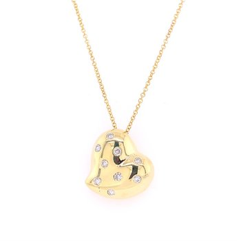 Diamond Heart Pendant in Yellow Gold