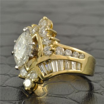 Vintage 1.16 Marquise Cut Diamond Engagement Ring in Yellow Gold