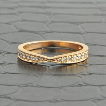 Pinched Diamond Wedding Band in Rose Gold