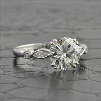 Vintage 1950s 2.03 Carat Diamond Engagement Ring in Platnum