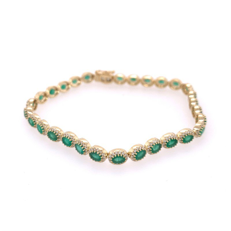 Royal Jewelry Emerald and Diamond Bracelet in Yellow Gold