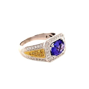 Tanzanite and White Yellow Diamond Ring in 18K Gold
