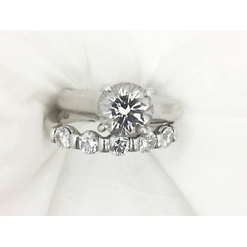 1.14 Carat H-SI1 Round Brilliant Cut Diamond Engagement Ring in Platinum