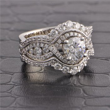 1.02 ct. Round Brilliant Cut Diamond Diamond Engagement Ring