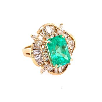 Ornate Emerald and Diamond Ring in Yellow Gold