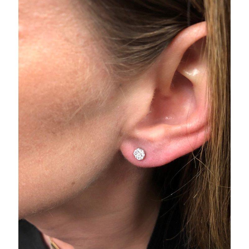 Decor Dainty Diamond Stud Earrings