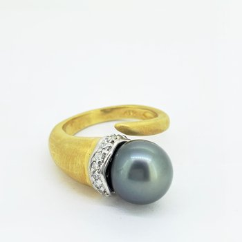 Tahitian Pearl & Diamond Ring