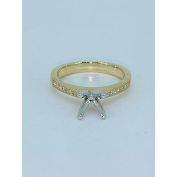 Tapered Diamond Ring Mounting