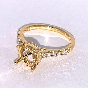 Diamond Collar Engagement Ring Mounting