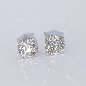 2.02ctw Diamond Stud Earrings