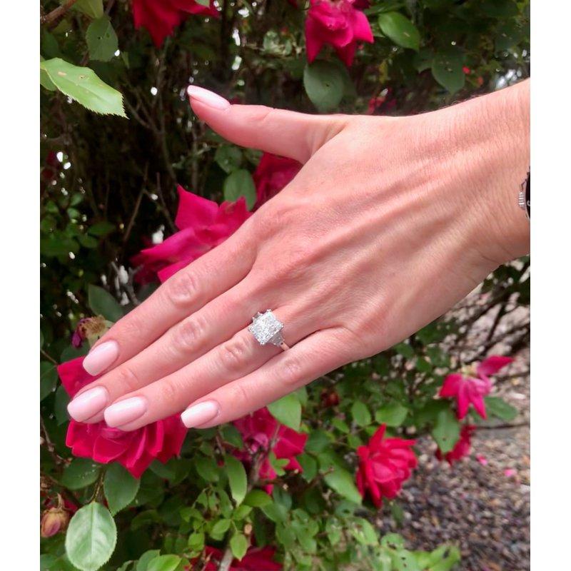 Decor Cushion Cut & Trapezoid Platinum Diamond Ring