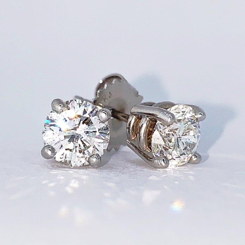 Decor 1.40ct Diamond Stud Earrings