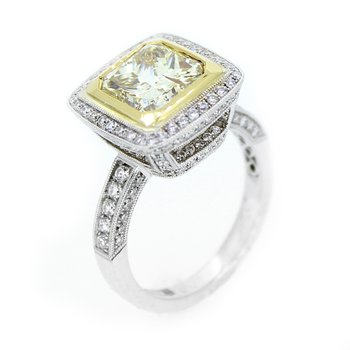 Stunning Fancy Yellow Diamond Ring