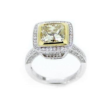 Stunning Fancy Yellow Diamond Ring