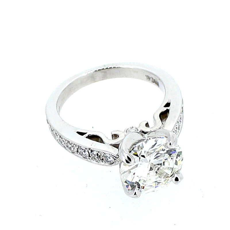 Decor Round Diamond Engagement Ring