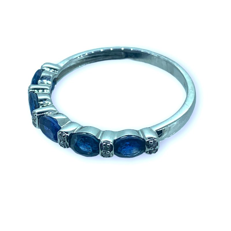 Decor Oval Sapphire and Diamond Band