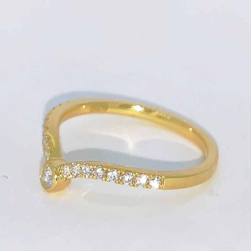 Decor Diamond V Shaped Band