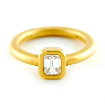 22kt Bezel Set Emerald Diamond Ring