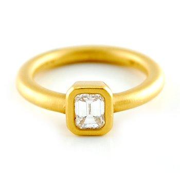 22kt Bezel Set Emerald Diamond Ring