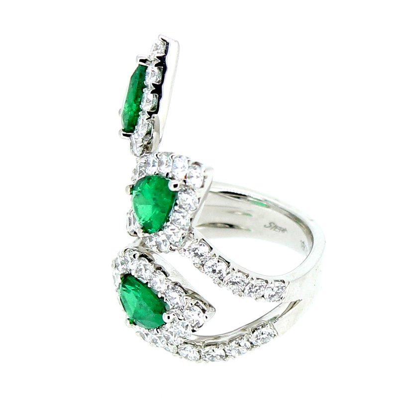 Decor Emerald & Diamond Pear Halo Fan Ring