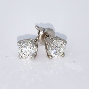1.52ctw Diamond Stud Screwback Earrings