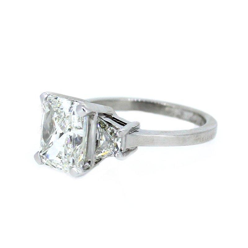 Decor Radiant & Trapezoid Three Stone Diamond Ring in Platinum