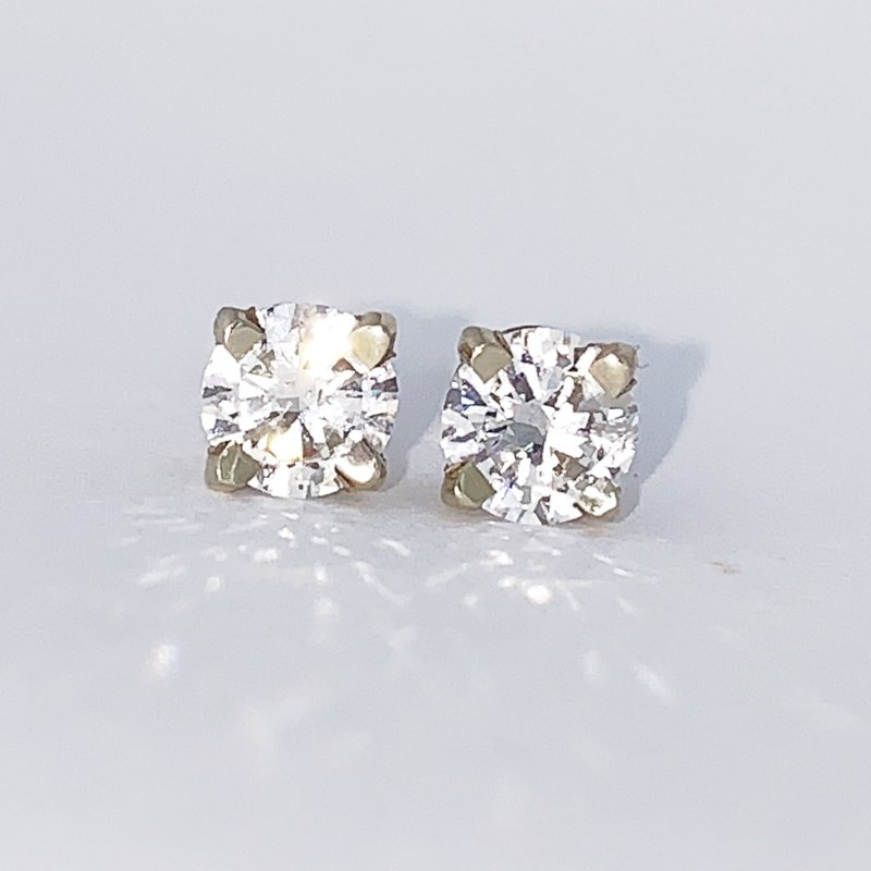 Decor 1.01ct Diamond Stud Screwback Earrings