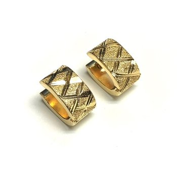 Diamond Cut Textured Huggies