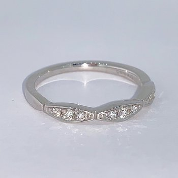 Wavy Diamond Band