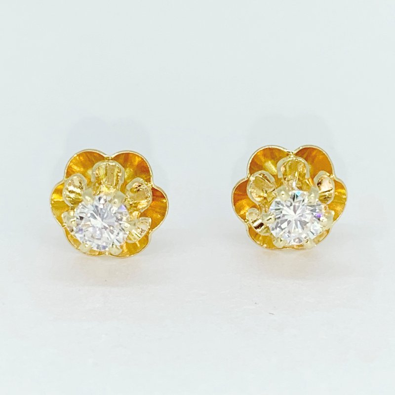 Decor Vintage Diamond Stud Earrings
