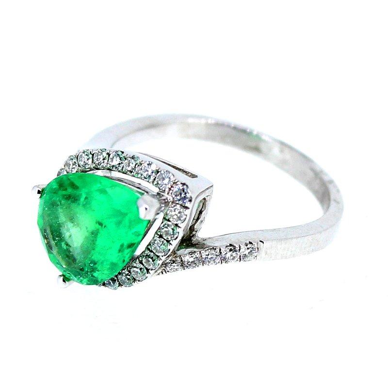 Decor Emerald & Diamond Pear Halo Ring