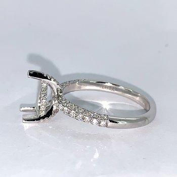 Pear Shaped Diamond Ring Mounting