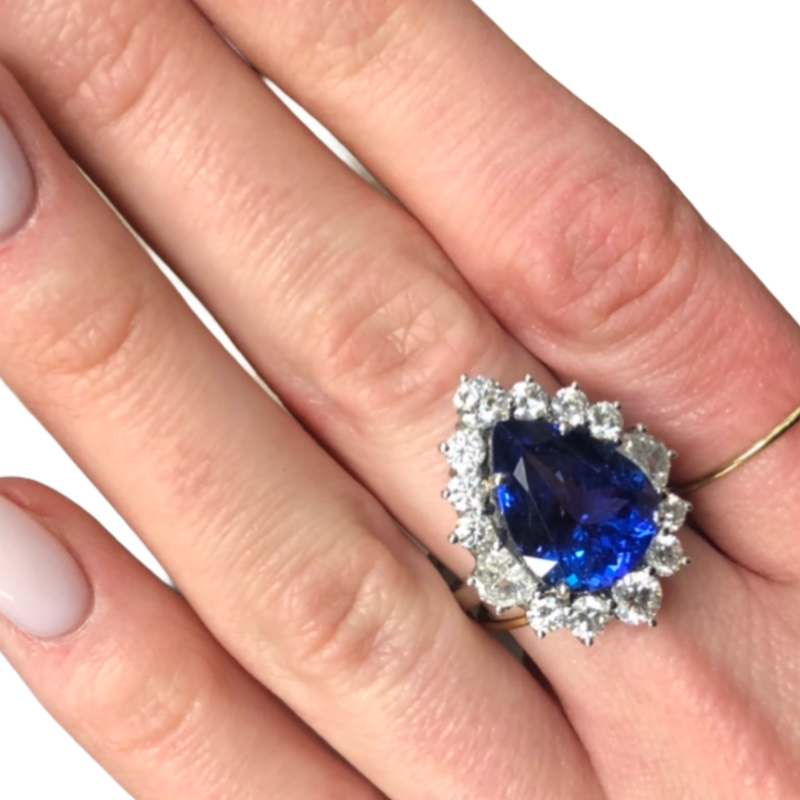 Decor Tanzanite & Diamond Halo Gemstone Ring