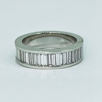 1.37ctw Baguette Diamond Band