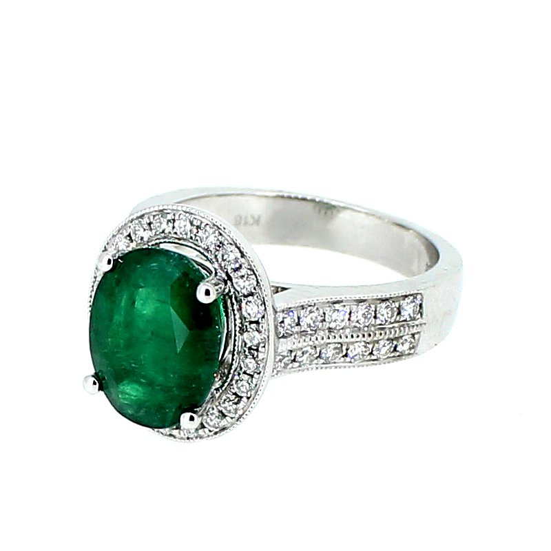 Decor Emerald & Diamond Halo Ring