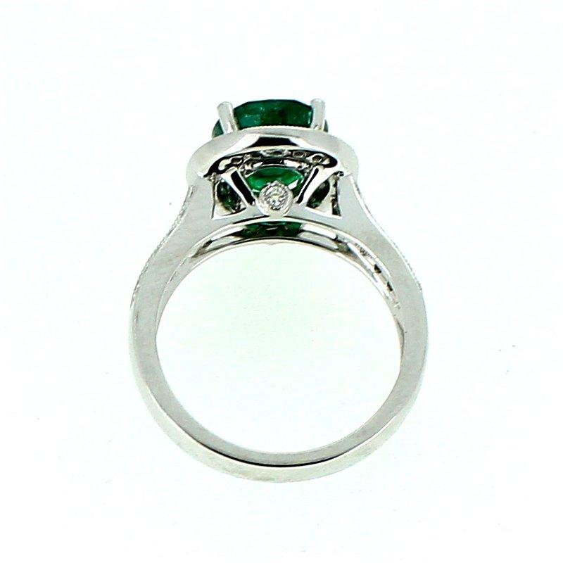 Decor Emerald & Diamond Halo Ring
