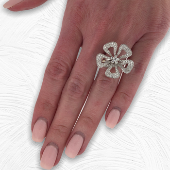 Moving Flower Diamond Ring