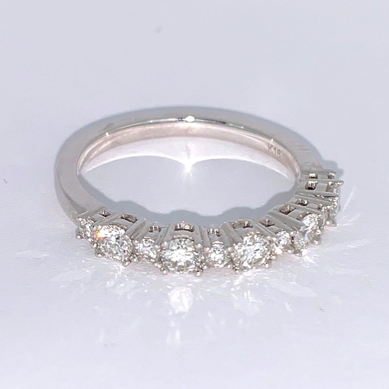 Alternating Diamond Band