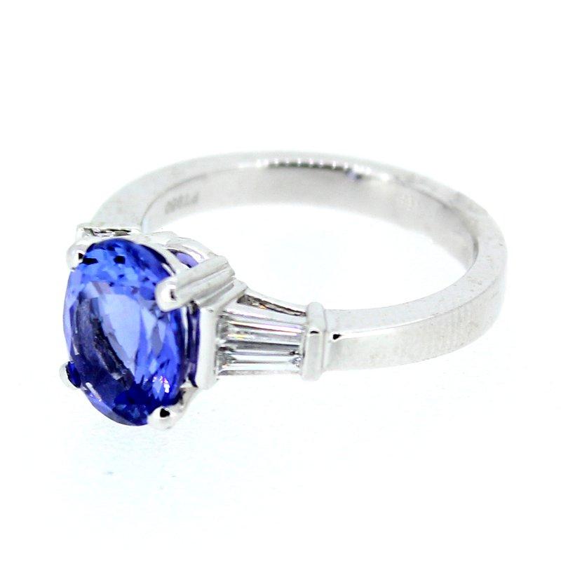 Decor Platinum Tanzanite & Diamond Ring