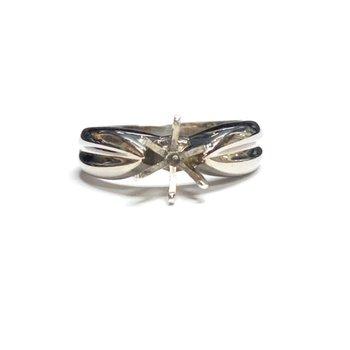 Platinum Ring Mounting