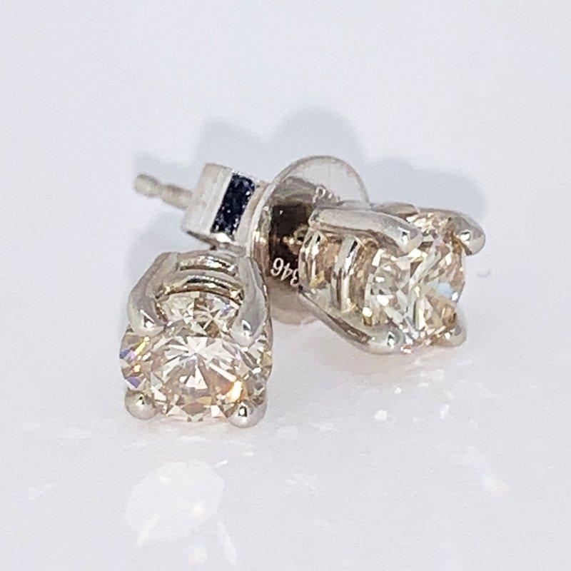 Decor 1.00ctw Diamond Stud Earrings