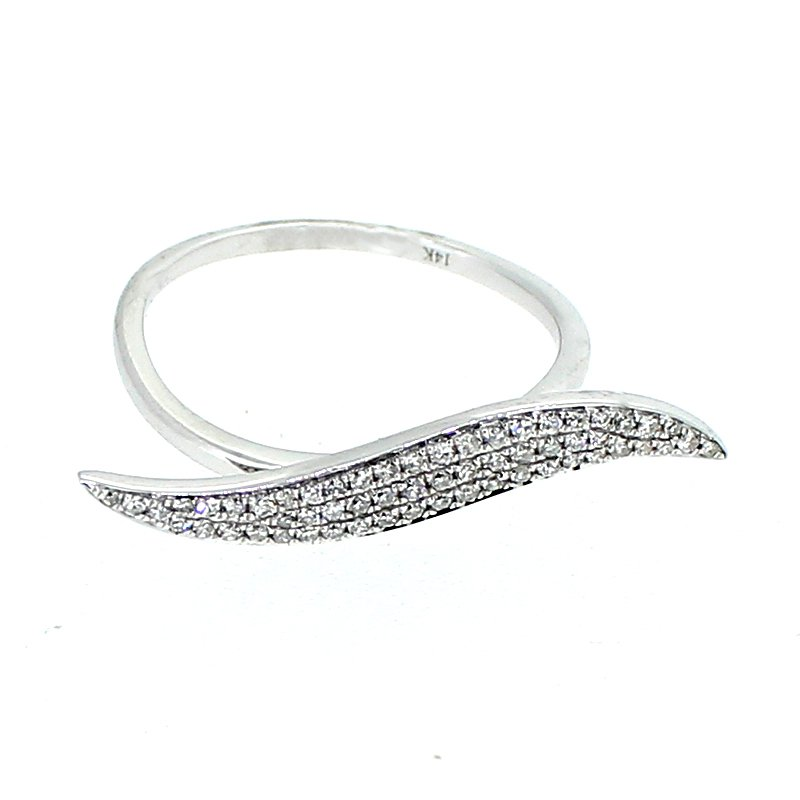 Decor Diamond Wave Ring