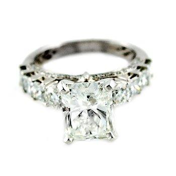 Graduated Prong Set Diamond Semi Mount