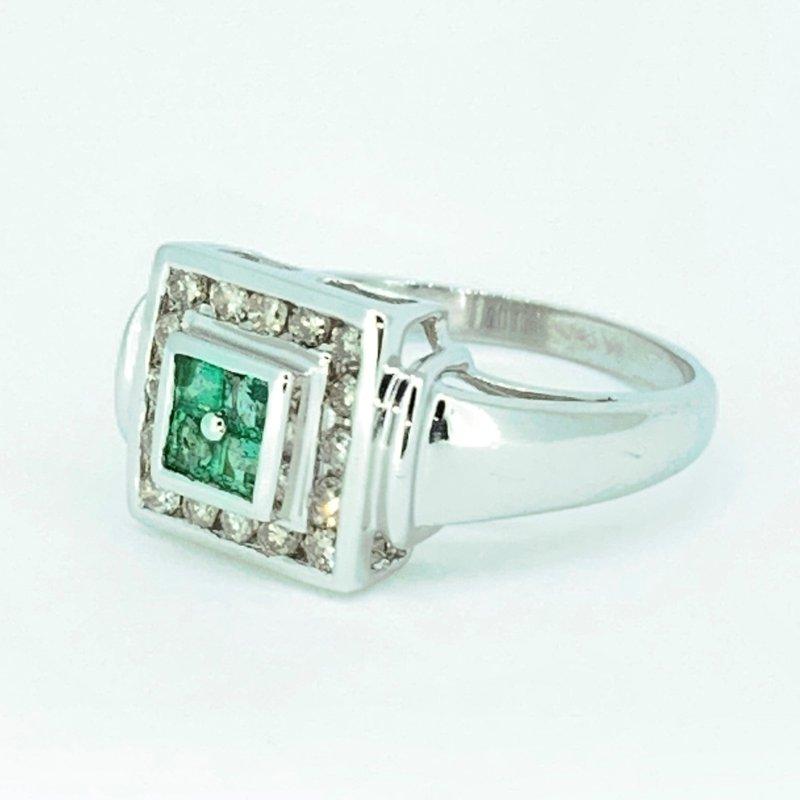 Decor Emerald & Diamond Ring
