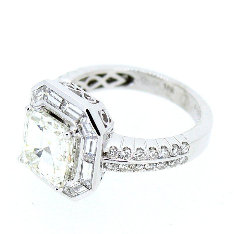 Decor Asscher & Baguette Diamond Halo Ring