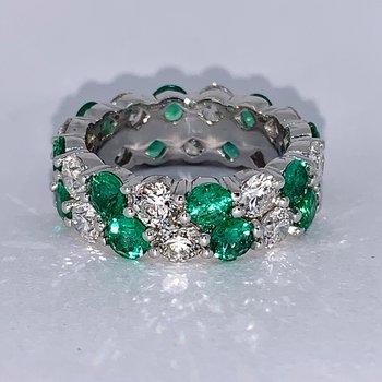 Alternating Diamond & Emerald Eternity Band