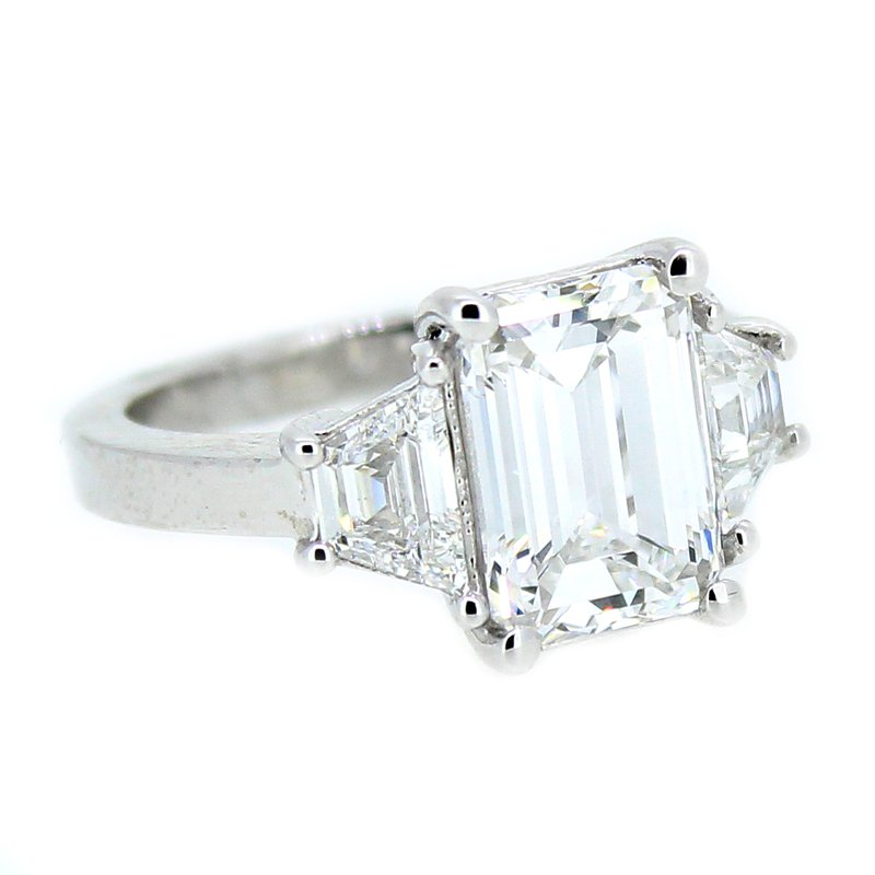 Decor Platinum Three Stone Diamond Ring